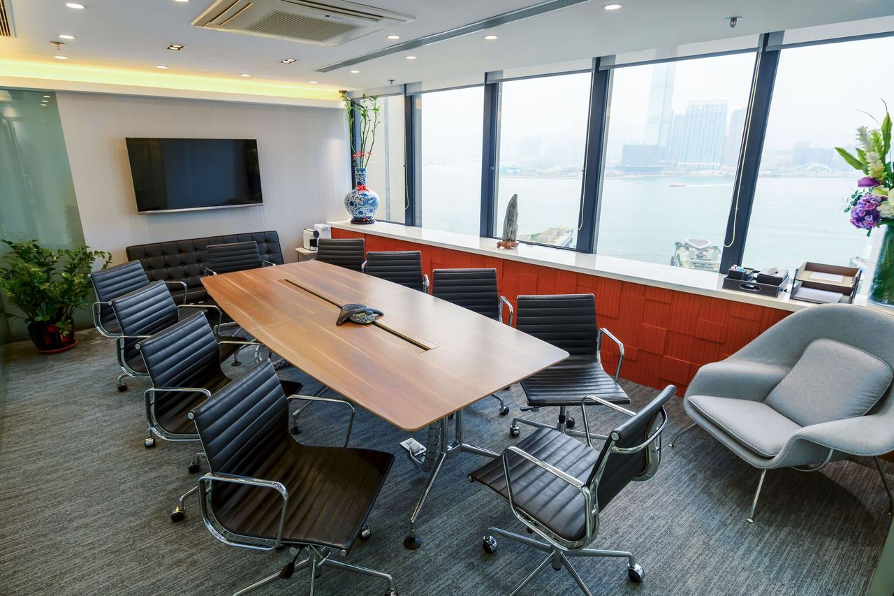 vOffice Sea View Meeting Room